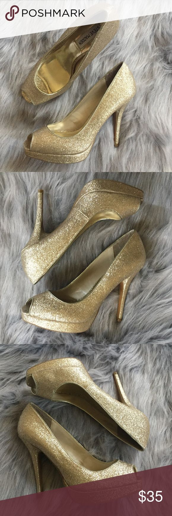 "Steve Madden Gold Open Toe Platform Pumps  8 So pretty! Only worn once or twice. Open toed platform gold glitter pumps. 3"" heel. Perfect condition!   Retail $70    ⭐️Suggested User 📫Same or Next Day Shipping 💯Top Rated Seller  🎁 Bundle Discount Buy 3 or more Get 25% Off 🙅🏽No Trades Steve Madden Shoes Platforms"