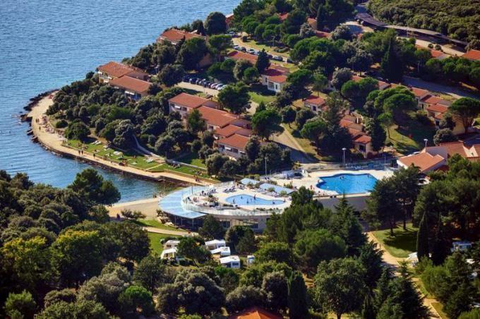 Resort Petalon http://www.hrvaska.net/cz/hotely/vrsar/resort-petalon.htm