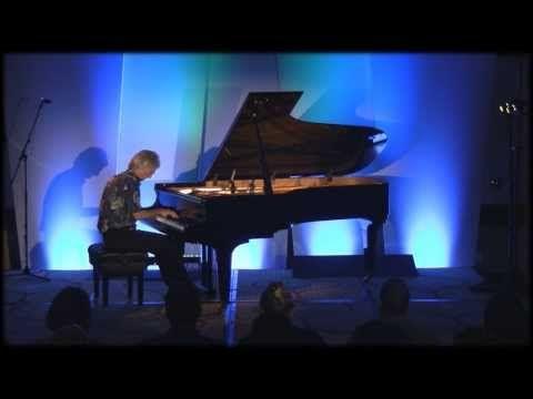 <3 ▶ Whisperings Solo Piano All Star Concert & Awards - Shigeru Kawai SK7L - Piano Haven - YouTube