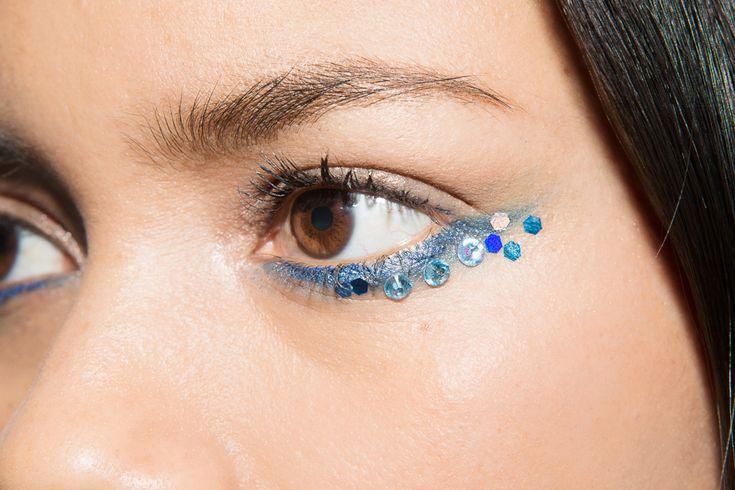 moises-ramirez-juana-burga-festival-spring-eyeliner-makeup-5