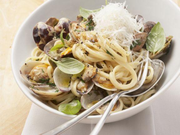 Pasta mit Venusmuscheln ist ein Rezept mit frischen Zutaten aus der Kategorie Muscheln. Probieren Sie dieses und weitere Rezepte von EAT SMARTER!