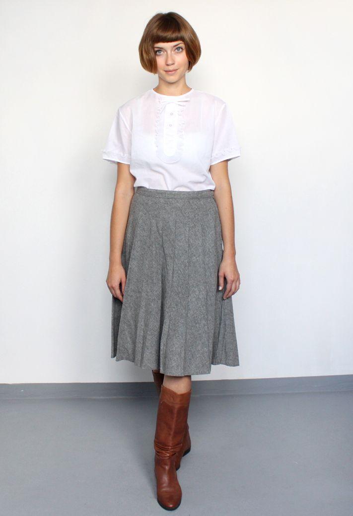 vintage/wool pleat skirt/aevintagestore http://www.aevintagestore.com
