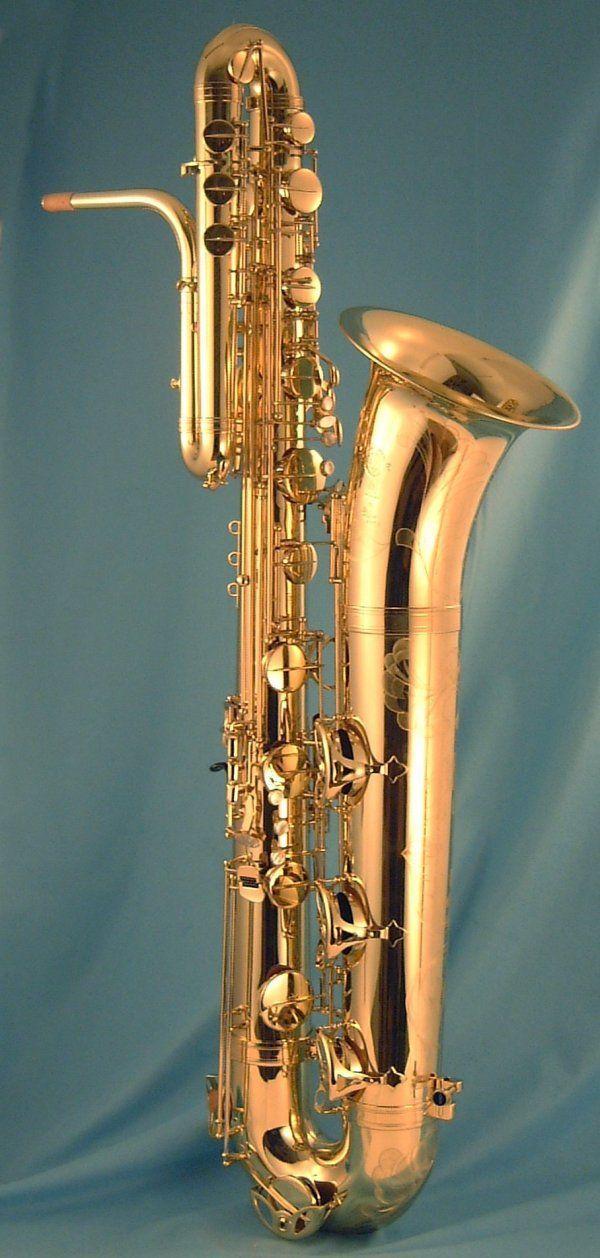 Bass Saxophone (Beaugnier - Vox) Confira aqui http://mundodemusicas.com/lojas-instrumentos/ as melhores lojas online de Instrumentos Musicais.