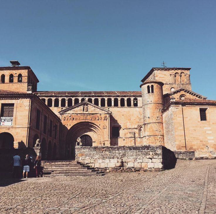 #colegiata #church and former #monastery #Santillanadelmar #cantabria #spain #roadtrip #travel #travelgram #instatravel #instatraveling