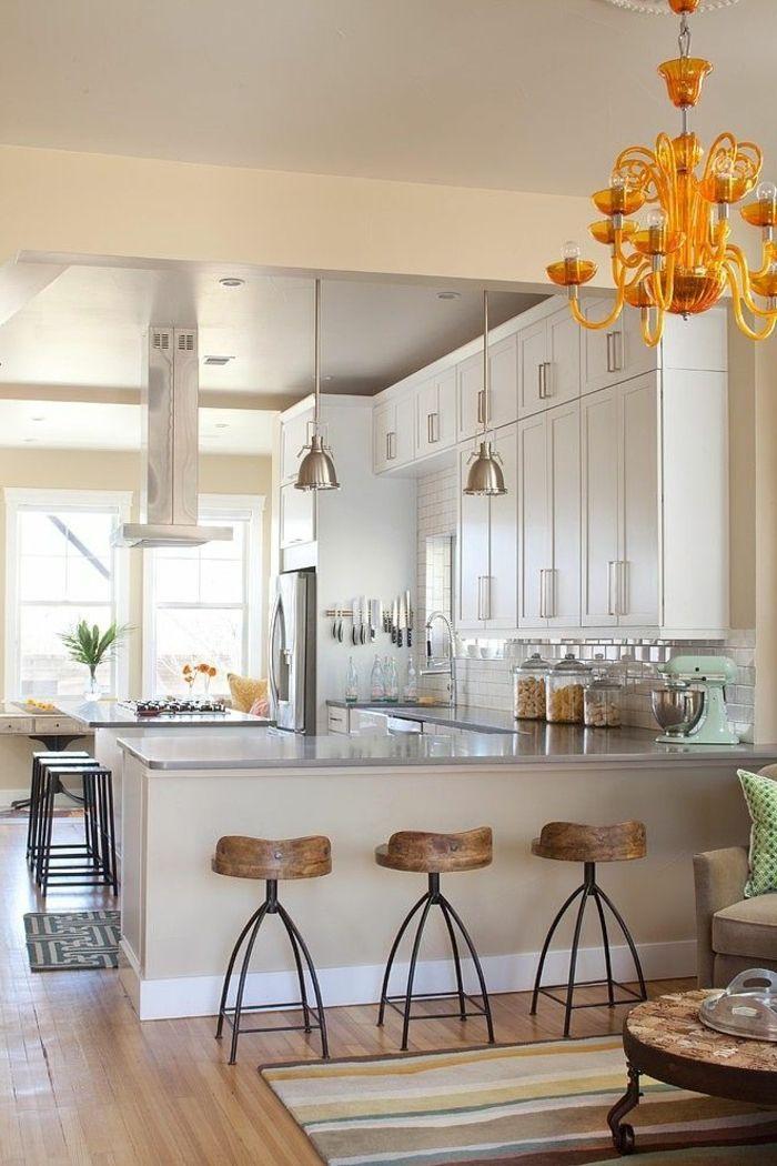 aménagement cuisine ouverte, suspension orange