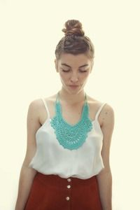 crochet necklace! beautiful!