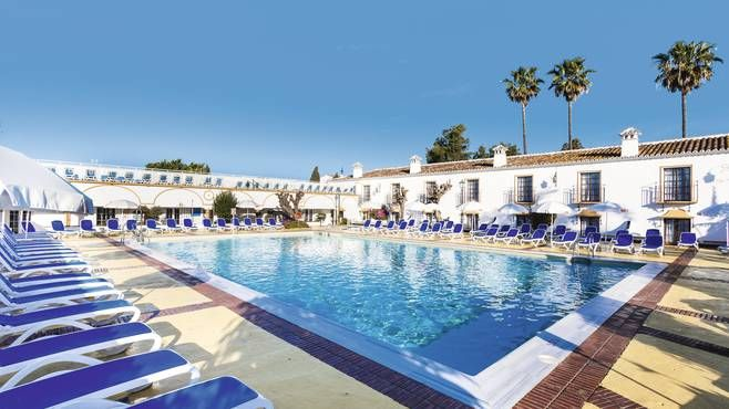 A lot is packed into the courtyards and gardens of this hotel, including 3 main pools, an international buffet restaurant and an open-air entertainment stage. Globales Cortijo Blanco has put down roots in a top spot – the beach is a 10-minute walk away and there's a free shuttle bus to classy Puerto Banus.