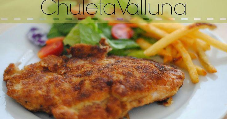 Click here for English version La chuleta valluna es una de esas recetas clásicas que se prepara por toda Colombia y yo estaba completa...