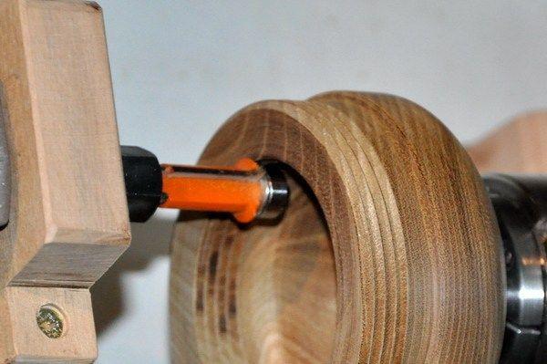 Filettare il legno A volte servirebbe fare delle scatole con il coperchio a vite. Ho studiato un piccolo attrezzo per poter fare filetti di qualsiasi diametro. Si possono fare sia filetti interni c…