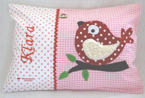 Namenskissen 25x35 Vogel auf rosa/rot von Glueckspilz-Shop auf DaWanda.com 25x35 cm, mit Inlett, 35