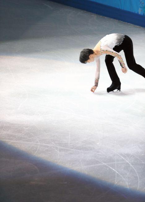 http://www.asahi.com/olympics/sochi2014/gallery/hanyuyuzuru/images/f47.jpg