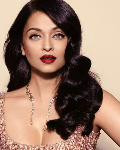 High Class! Classic Glamour hair and makeup: The beauty Queen Aishwarya Rai at Cannes 2016.
