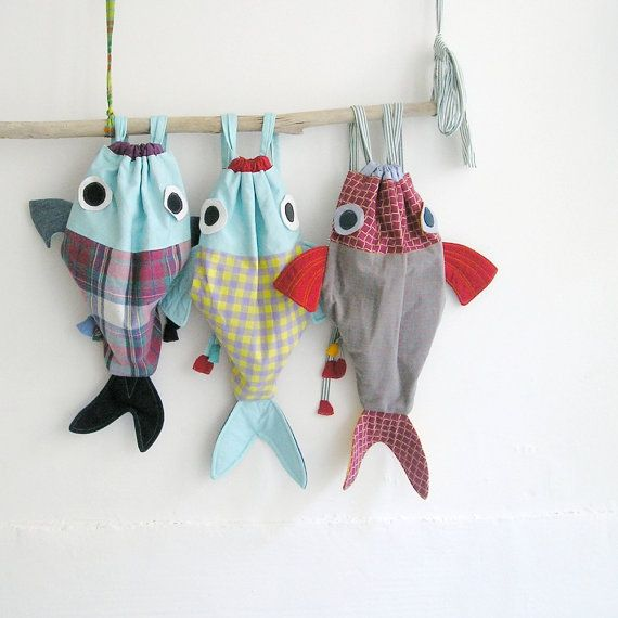Along with my Fish friend Drawstring backpack for par LaGagiandra