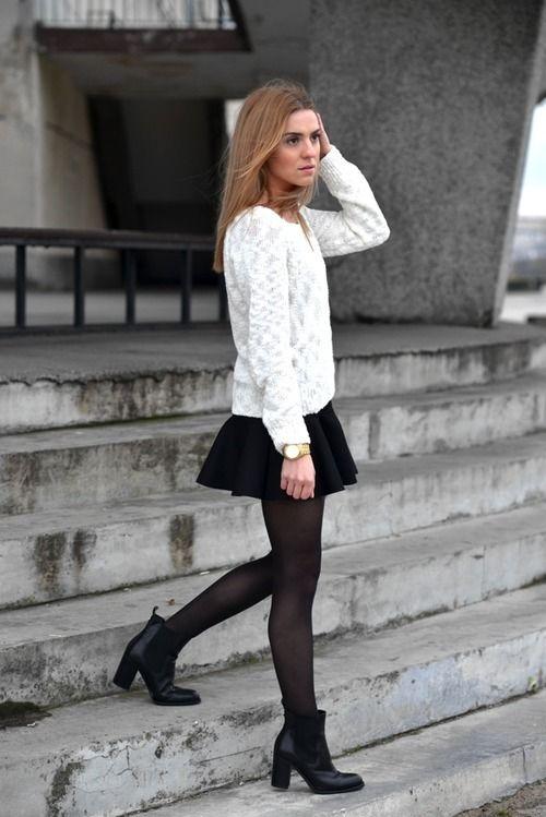 blusa renda + saia peplum + bota e meia