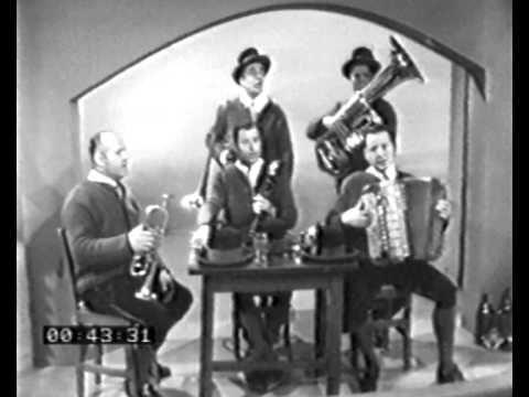 Die Kernbuam (1969) -Der Weltverdruss.       Die Kernbuam (1969) -Der Weltverdruss-    I hab koan Vater mehr / und a koa Muater mehr, / koa Schwester, Bruader und koan Freund. / |: Bin ein verlassnes Kind / als wia der Halm im Wind, / i bin der Weltverdruss, / so hams mi gnennt.