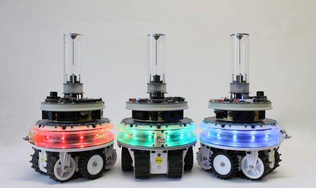 Модульные роботы, способные объединяться в сложные самовосстанавливающиеся механизмы  Невзирая на фантастические рассказы, будущее, в котором роботы будут полностью автономны и почти не зависимы от человека, решительно не хочет наступать. Возможно, один из шагов к этому сделала группа исследователей из Университета Брюсселя. Они создали миниатюрных роботов marXbot, способных не только самостоятельно выполнять поставленные задачи, но и трансформироваться в более сложные механизмы и даже…