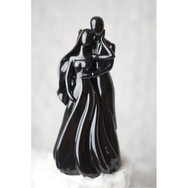 Goth cake toppers for your dark wedding tastes | Offbeat Bride
