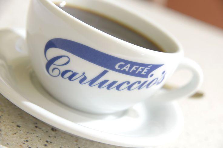 Kahvenizi yumuşak içimli Milano harmanı mı, yoksa yoğun aromalı Napoli harmanı mı tercih edersiniz? #CarlucciosTR #coffee #milona #naples
