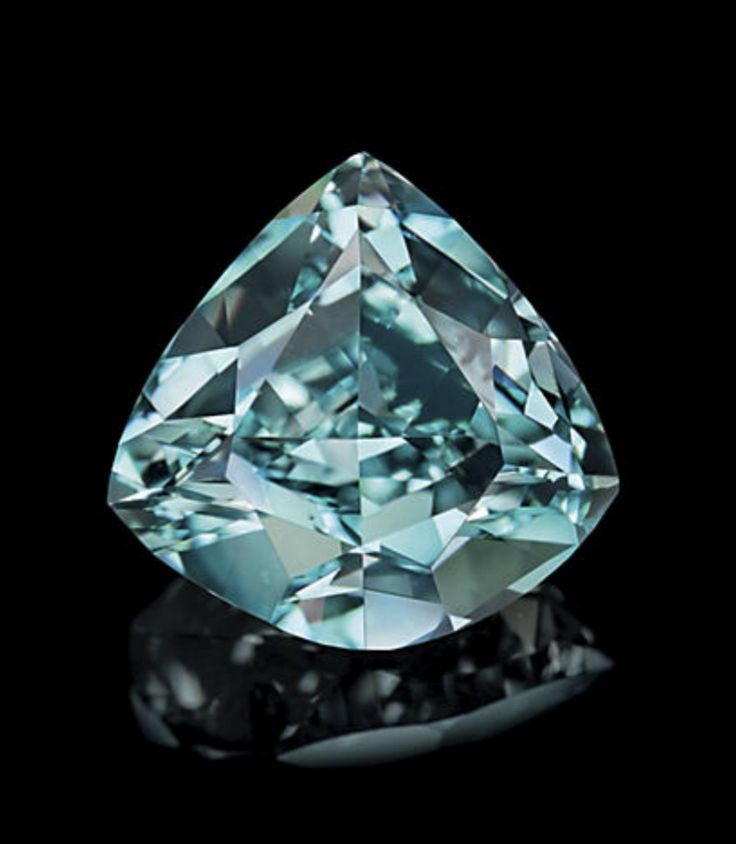 The Ocean Dream, a 5.50-carat Fancy Vivid Blue-Green diamond, the largest of its kind in the world