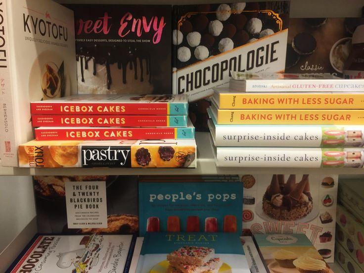 Me encontré con muchos libros de cocina, me los hubiera comprado todos. Recetas, libro, chocolate, postres, helados. Cherrytomate