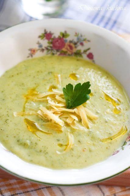 Zupa krem z cukinii i ziemniaków.