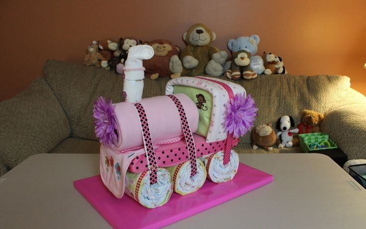 Choo Choo Train Diaper Cake - How To Make - {Thom's Crafts and Treats - youtube.com}