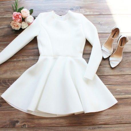 Rozkloszowana sukienka długi rękaw