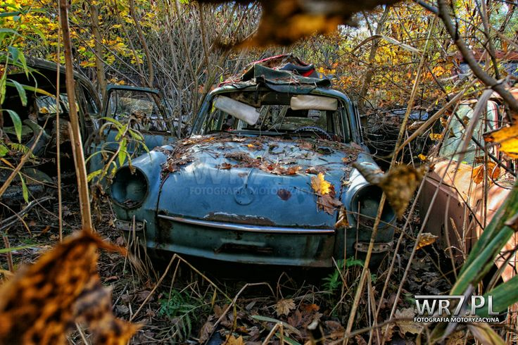 Porzucony Volkswagen 412 z dawnej kolekcji Tadeusza Tabenckiego