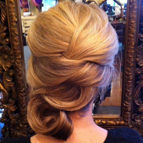 Elegant updo for short hair #hairstyles #hairstyle #updo