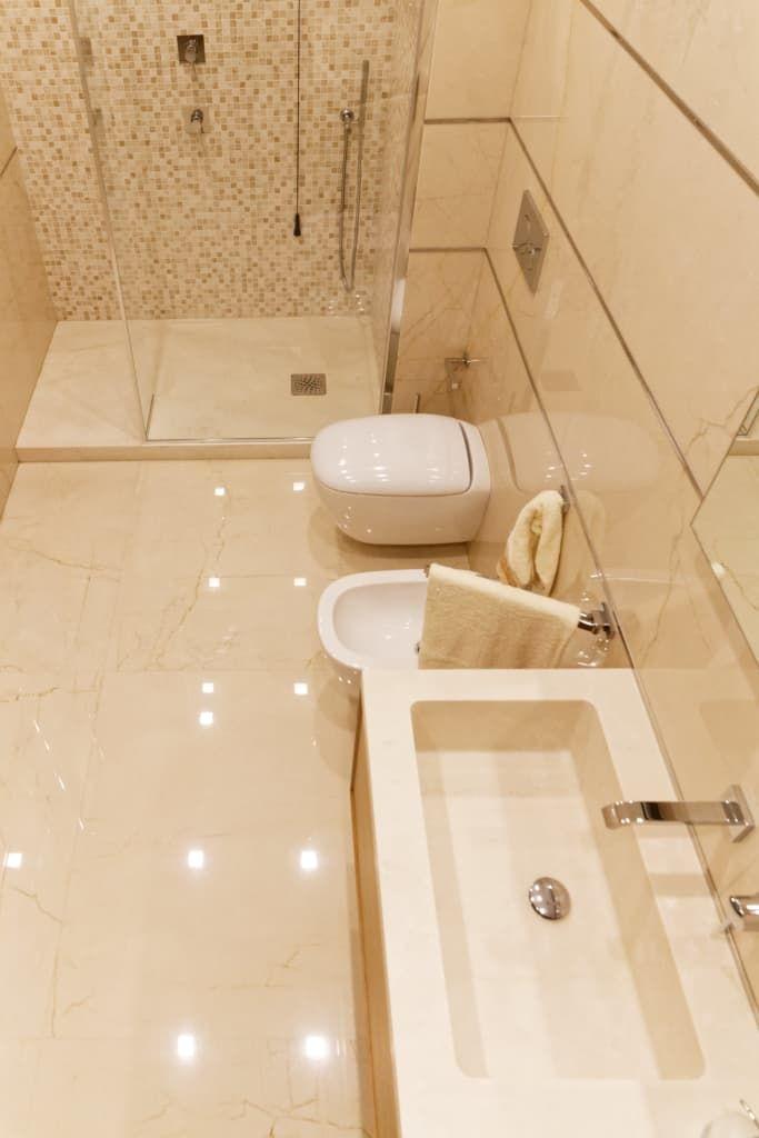 Bagni Moderni In Marmo.Bagno Moderno In Marmo Bagno Moderno Di Cusenzamarmi Moderno Marmo