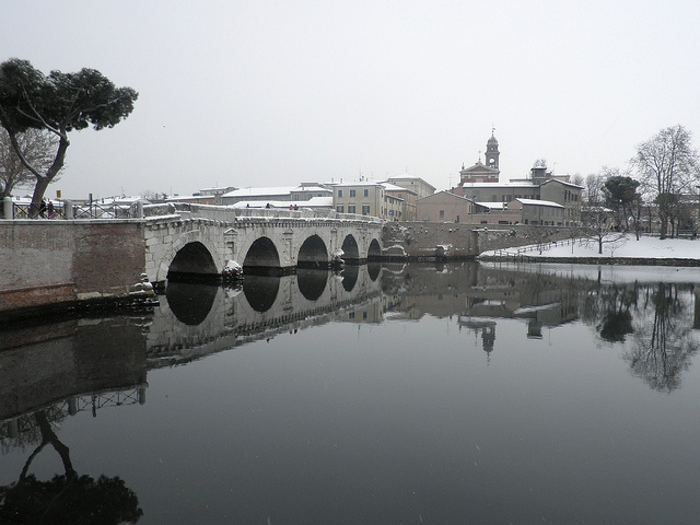 Ponte di Tiberio con la neve by dplastino, via Flickr