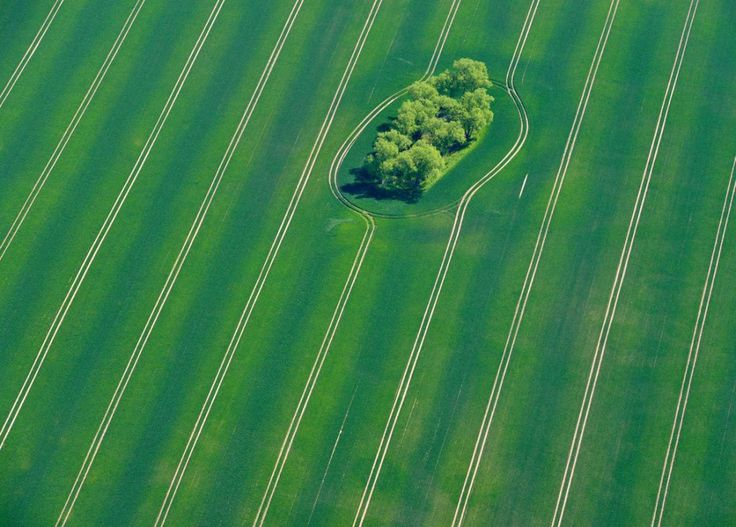 fotografia aerea campo verde alemania
