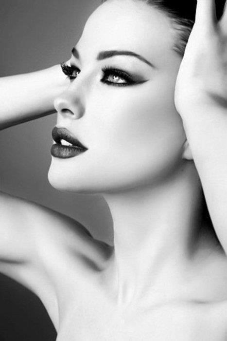 smoky eyesMake Up, Dramatic Makeup, Eye Makeup, Cat Eye, Beautiful, Flawless Makeup, Black White, Dark Lips, Liv Tyler