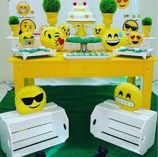 Resultado de imagem para festa emoji