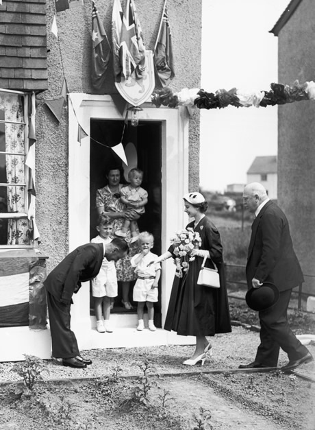 The Queen met Burma veteran James Wilson at his home at the Veterans Garden City in Penilee, Glasgow, during her Coronation in 1953. Wonder where abouts this is?