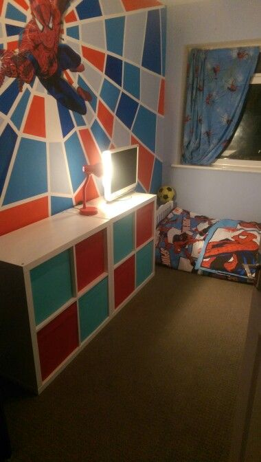 Best 25 spiderman bedrooms ideas on pinterest boys for Spiderman bedroom designs