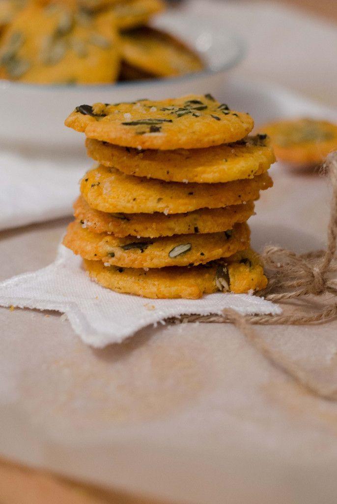 Biscuits apéro à la mimolette et aux graines de courge
