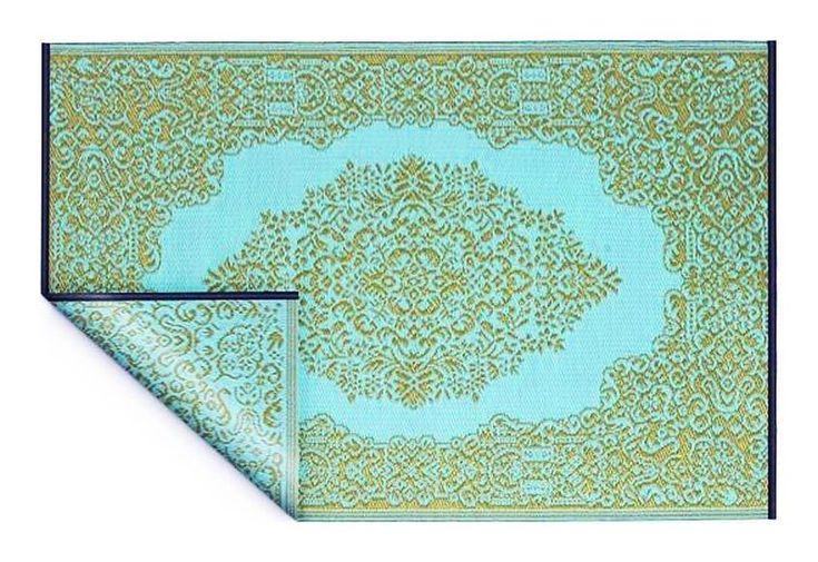 Decorating carpet
