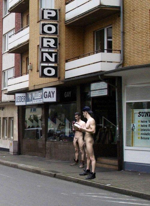 German street exhibitionists Gay, Público, Hot Guys, Desnudo, Twitter, Arte  Masculino