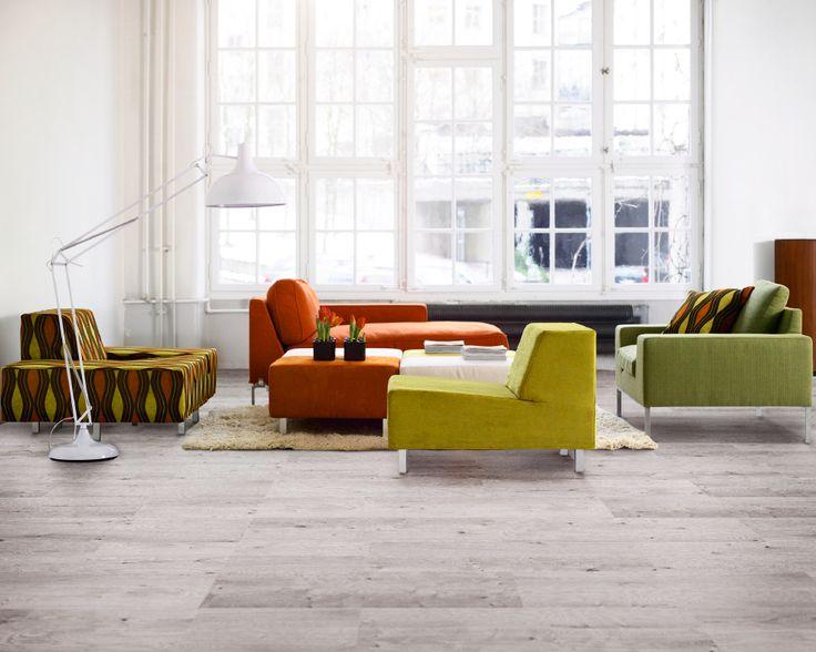 Perfekt fürs Wohnzimmer und fast gemütlicher als ein Sofa. Auf einem #Korkboden lässt es sich wunderbar aushalten. Seine natürliche Ausstrahlung und Wärme machen ihn zum optimalen Ort für die entspannten Momente des Lebens.