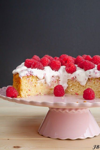 Carolines blog: Lemon ricotta cake with raspberry cream