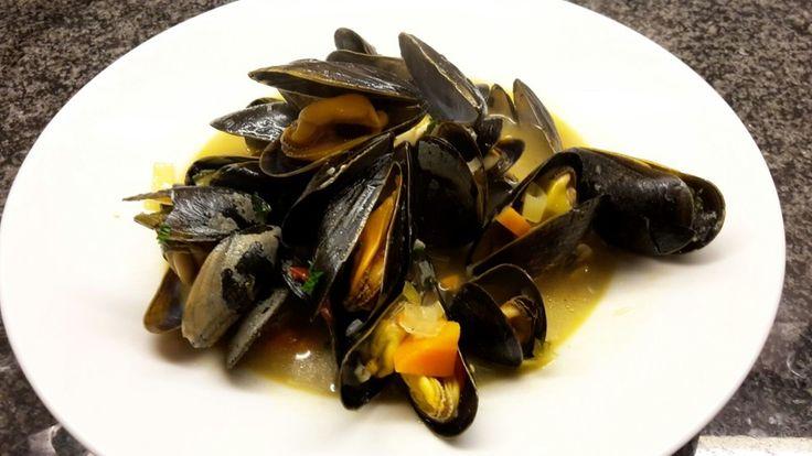 Muscheln in Weißweinsauce, ein gutes Rezept aus der Kategorie Krustentier & Muscheln. Bewertungen: 56. Durchschnitt: Ø 4,7.