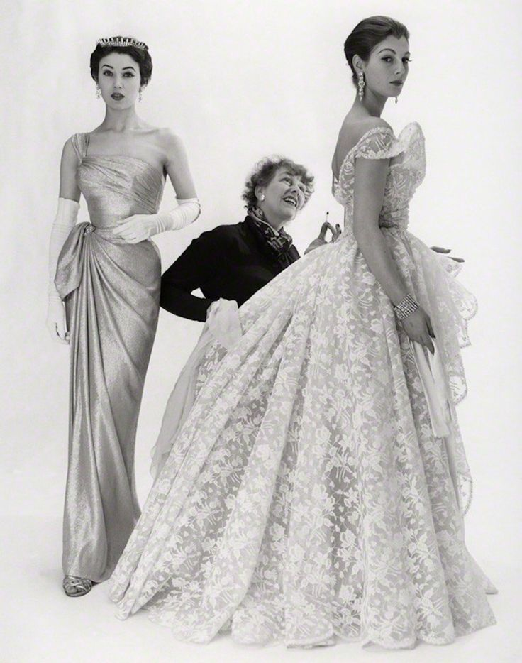 Elspeth Champcommunal with Fiona Campbell-Walter and one other fashion model, Photo by Norman Parkinson, 1953. National Portrait Gallery, London