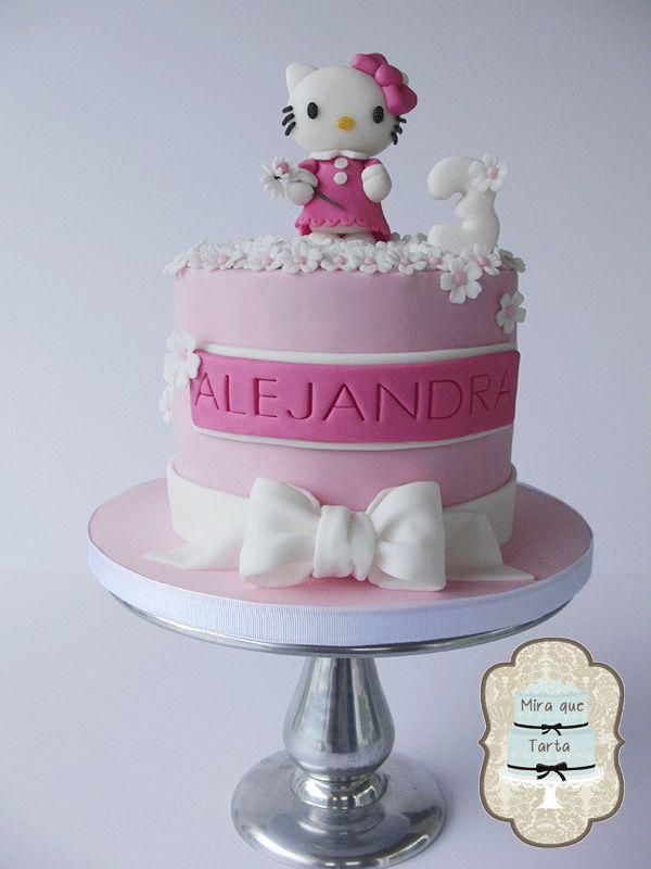 Top 25 ideas about HELLO KITTY Fondant Cake on Pinterest ...