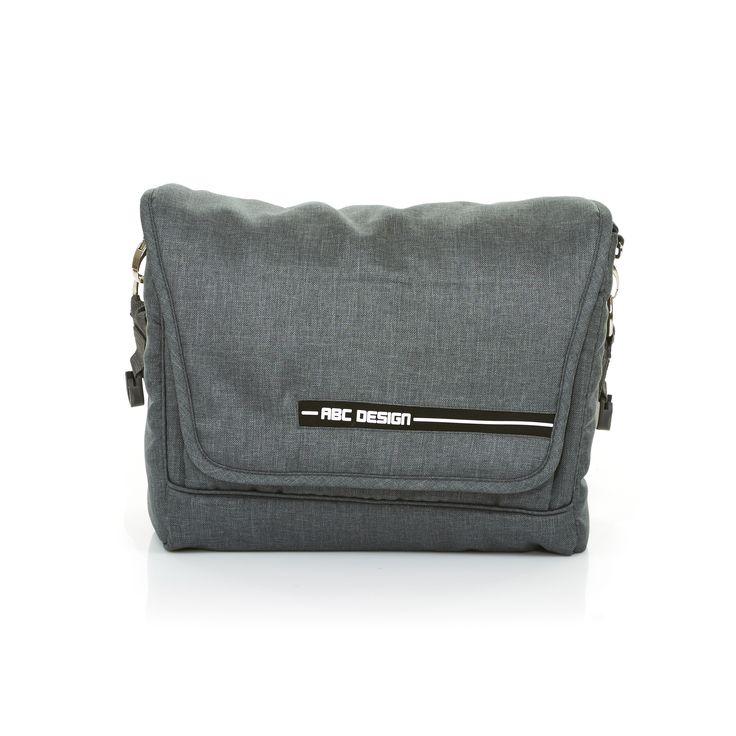 Mit der Wickeltasche Fashion von ABC Design liegen Eltern voll im Trend | The Fashion changing bag supplied by ABC Design is the trendy way for parents