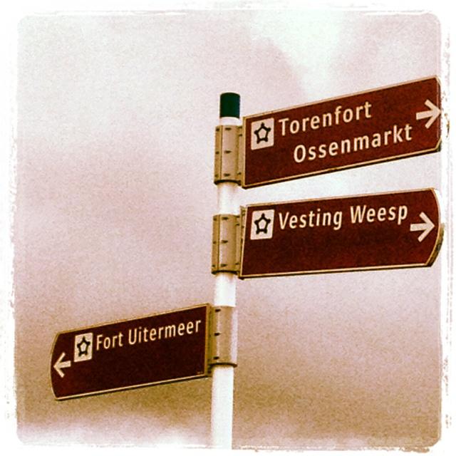 Bewegwijzering naar de #forten aan de 's gravelandseweg in #Weesp
