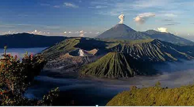 5 Gunung Terindah di Indonesia: Gunung Semeru, Jawa Timur