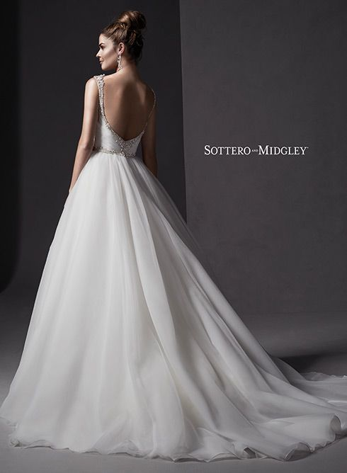 84 best wedding dresses with dramatic backs images on for Wedding dresses with dramatic backs