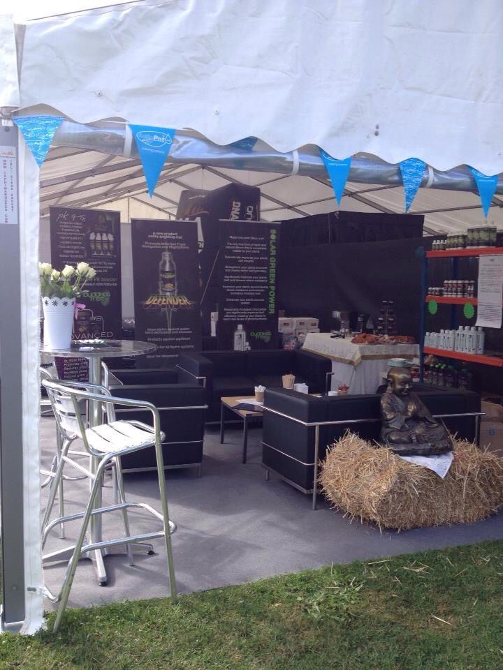 Festival chic relaxed coffee lounge