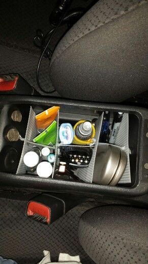 diy car center console organizer using plastic canvas. Black Bedroom Furniture Sets. Home Design Ideas